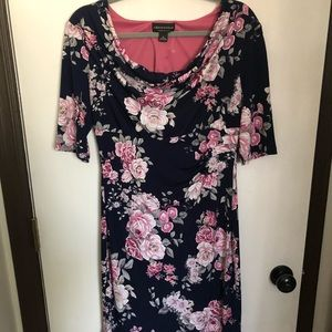 Beautiful Floral Women's Dress Size 10 NWOT